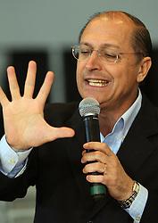 O ex-governador de SP e pre-candidato do PSDB a Presidencia da Republica, Geraldo Alckmin durante visita a FENARROZ na cidade de Cachoeira do Sul, a 180km de Porto Alegre. FOTO: Jefferson Bernardes