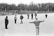 Paris 1995: giocatori di bocce, le Tuleries.<br /> &copy;Andrea Sabbadini