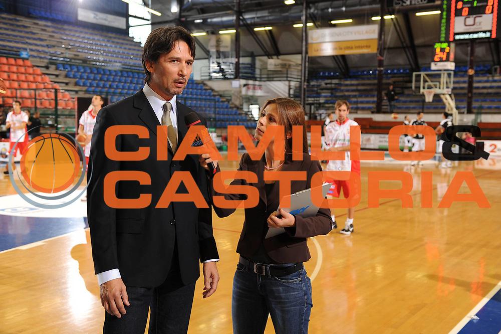 DESCRIZIONE : Ferrara Lega A 2009-10 Basket Carife Ferrara Bancatercas Teramo<br /> GIOCATORE : Mario Boni Chiara Baroni<br /> SQUADRA : Sky<br /> EVENTO : Campionato Lega A 2009-2010 <br /> GARA : Carife Ferrara Bancatercas Teramo<br /> DATA : 11/10/2009<br /> CATEGORIA : <br /> SPORT : Pallacanestro <br /> AUTORE : Agenzia Ciamillo-Castoria/M.Marchi