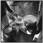 Cooking on a stove, Kaffee kochen in der Alpküche, café dsur le feu de bois à l'alpage