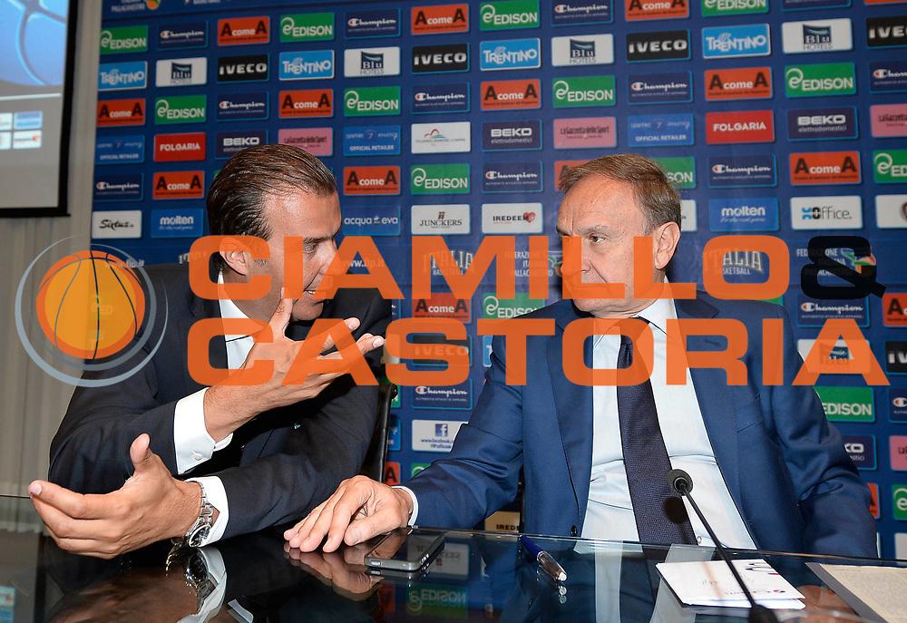 DESCRIZIONE : Media day nazionale italiana maschile<br /> GIOCATORE : Simone Pianigiani e Gianni Petrucci <br /> CATEGORIA : <br /> SQUADRA :  Nazionale maschile<br /> EVENTO : Media day nazionale italiana maschile<br /> GARA : Media day nazionale italiana maschile<br /> DATA : 24/07/2013<br /> SPORT : Pallacanestro <br /> AUTORE : Agenzia Ciamillo-Castoria/R. Morgano<br /> Galleria : Nazionale italiana maschile 2013  <br /> Fotonotizia : Media day nazionale italiana maschile<br /> Predefinita :