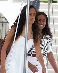 Malia and Sasha Obama depart ahead of their parents United States President Barack Obama and first lady Michelle Obama depart the White House in Washington, DC, USA, on Saturday, August 6, 2016 to travel to Martha's Vineyard, Massachusetts for their annual two week vacation. Photo by Ron Sachs/Pool/ABACAPRESS.COM