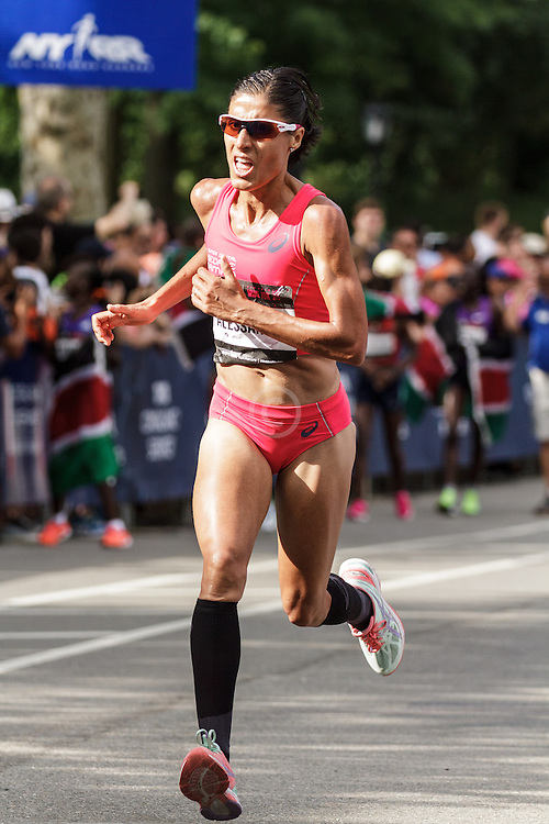 NYRR Oakley Mini 10K for Women: Alessandra Aguilar, Spain, asics