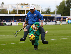 October 7, 2017 - Billericay, England, United Kingdom - Billericay Town Groundsman at half time.during Bostik League Premier Division match between Billericay Town against Hendon FC at New Lodge Ground, Billericay on 07 Oct 2017  (Credit Image: © Kieran Galvin/NurPhoto via ZUMA Press)