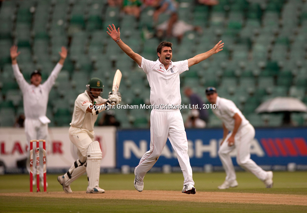 James Anderson appeals in vain for the wicket of Ashwell Prince (left) during the fourth and final Test Match between South Africa and England at the Wanderers Stadium, Johannesburg. Photograph © Graham Morris/cricketpix.com (Tel: +44 (0)20 8969 4192; Email: sales@cricketpix.com)