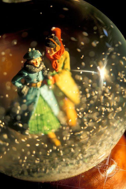 Old fashioned snow globe