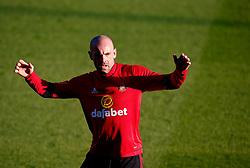 Darron Gibson of Sunderland warms up - Mandatory by-line: Matt McNulty/JMP - 10/08/2017 - FOOTBALL - Gigg Lane - Bury, England - Bury v Sunderland - Carabao Cup - First Round