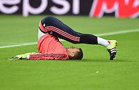 FUSSBALL CHAMPIONS LEAGUE SAISON 2014/2015 GRUPPENPHASE FC Bayern Muenchen - Dinamo Zagreb       29.09.2015 Torwart Manuel Neuer (FC Bayern Muenchen) erwaermt sich