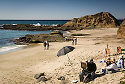 Mark Kerckhoff instructs students at Goff Island<br /> Cove, Laguna beachEn Plein Air a french expression meaning &quot;in the open air&quot;