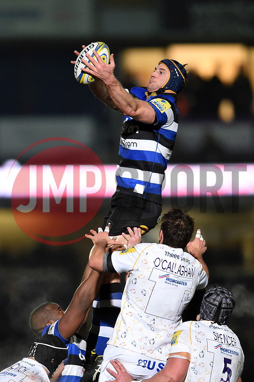 Paul Grant of Bath Rugby wins the ball at a lineout - Mandatory byline: Patrick Khachfe/JMP - 07966 386802 - 05/01/2018 - RUGBY UNION - Sixways Stadium - Worcester, England - Worcester Warriors v Bath Rugby - Aviva Premiership