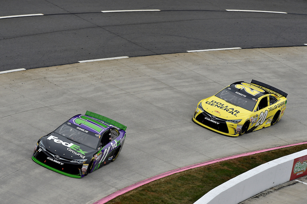 30 October - 1 November, 2015, Martinsville, Virginia USA<br /> Denny Hamlin, FedEx Ground Toyota Camry, Matt Kenseth, Dollar General Toyota Camry<br /> &copy;2015 Scott R LePage <br /> LAT Photo USA