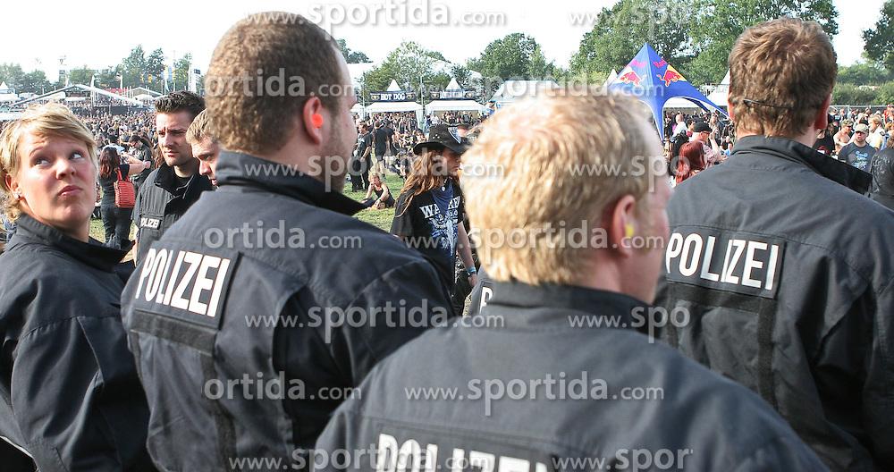 06.08.2010, Wacken Open Air 2010, Wacken, GER, 2.Tag beim 21.Heavy Metal Festival Polizei und Ordnungskraefte haben alles im Griff, EXPA Pictures © 2010, PhotoCredit: EXPA/ nph/  Kohring+++++ ATTENTION - OUT OF GER +++++ / SPORTIDA PHOTO AGENCY