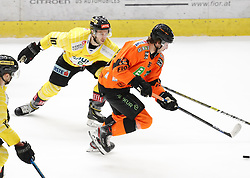 17.01.2020, Merkur Eisstadion, Graz, AUT, EBEL, Moser Medical Graz 99ers vs Vienna Capitals, 41. Runde, im Bild Marc-Andre Dorion (Vienna Capitals) und Lukas Kainz (Moser Medical Graz 99ers) // Marc-Andre Dorion (Vienna Capitals) and Lukas Kainz (Moser Medical Graz 99ers) during the Erste Bank Eishockey League 41th round match between Moser Medical Graz 99ers and Vienna Capitals at the Merkur Eisstadion in Graz, Austria on 2020/01/17. EXPA Pictures © 2020, PhotoCredit: EXPA/ Erwin Scheriau