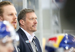 02.04.2019, Albert Schultz Halle, Wien, AUT, EBEL, Vienna Capitals vs EC Red Bull Salzburg, Halbfinale, 3. Spiel, im Bild Headcoach, Andreas Brucker (EC Red Bull Salzburg) // during the Erste Bank Icehockey 3rd semifinal match between Vienna Capitals and EC Red Bull Salzburg at the Albert Schultz Halle in Wien, Austria on 2019/04/02. EXPA Pictures © 2019, PhotoCredit: EXPA/ Alexander Forst