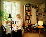 Frida Hyvönen in her office, Flarken. ..Frida Hyvönen i sitt arbetsrum, Flarken.