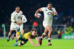 Joe Cokanasiga of England breaks away - Mandatory by-line: Dougie Allward/JMP - 24/11/2018 - RUGBY - Twickenham Stadium - London, England - England v Australia - Quilter Internationals