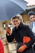 Prinses Maxima is aanwezig bij de opening van de internationale kunstmanifestatie 'Ja Natuurlijk - hoe kunst de wereld redt' in en om het Gemeentemuseum, het GEM en het Fotomuseum in Den Haag. <br /> <br /> Princess Maxima attends the opening of the international art 'Yes of course - how art saves the world &quot;and to the Municipal Museum, the GEM and the Photography Museum in The Hague.<br /> <br /> Op de foto / On the photo:  Prinses Maxima / Princes Maxima