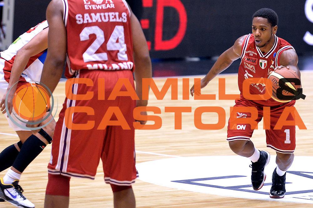 DESCRIZIONE : Milano Lega A 2014-15  EA7 Emporio Armani Milano vs Consultinvest Pesaro<br /> GIOCATORE : Joe Ragland<br /> CATEGORIA : Palleggio<br /> SQUADRA : EA7 Emporio Armani Milano<br /> EVENTO : Campionato Lega A 2014-2015<br /> GARA :EA7 Emporio Armani Milano vs Consultinvest Pesaro<br /> DATA : 30/11/2014<br /> SPORT : Pallacanestro <br /> AUTORE : Agenzia Ciamillo-Castoria/I.Mancini<br /> Galleria : Lega Basket A 2014-2015  <br /> Fotonotizia : Milano Lega A 2014-2015 Pallacanestro : EA7 Emporio Armani Milano vs Consultinvest Pesaro<br /> Predefinita :