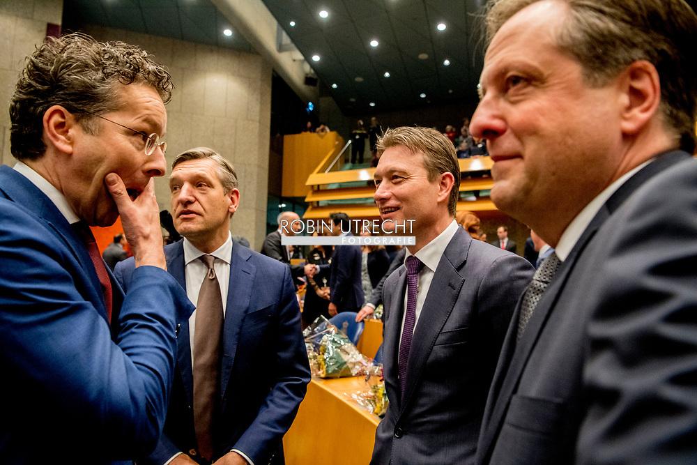 DEN HAAG -  lDEN HAAG - (VLNR) Jeroen Dijsselbloem (Pvda), Sybrand Buma (CDA), Halbe Zijlstra (VVD), Alexander Pechtold (D66) tijdens de installatie van de nieuwe Kamerleden na de Tweede Kamerverkiezingen.  egt de eed af tijdens de installatie van de nieuwe Kamerleden na de Tweede Kamerverkiezingen.  ROBIN UTRECHT<br /> democratie formatie holland installatie kabinetsformatie kamerleden kiezen nieuwe partijpolitiek politicus politiek tk2017 van