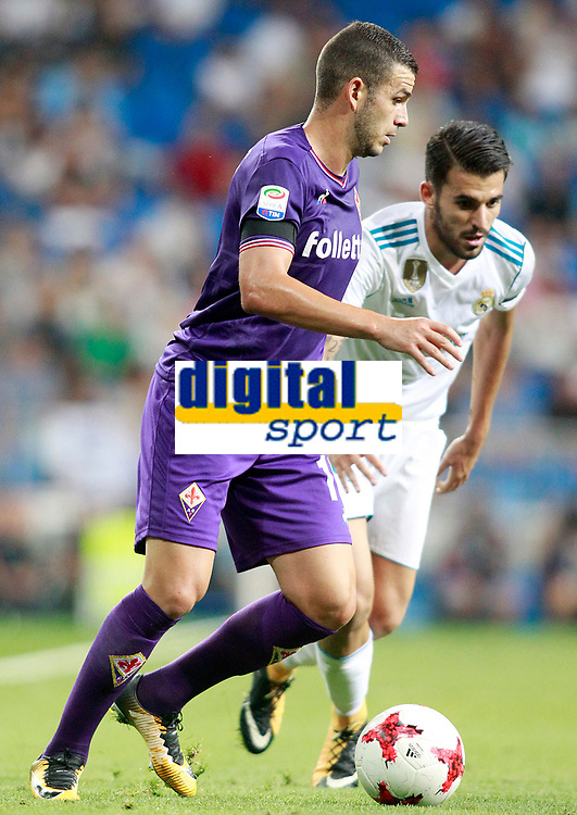 Real Madrid's Dani Ceballos (r) and ACF Fiorentina's Valentin Eysseric during Santiago Bernabeu Trophy. August 23,2017. (ALTERPHOTOS/Acero)