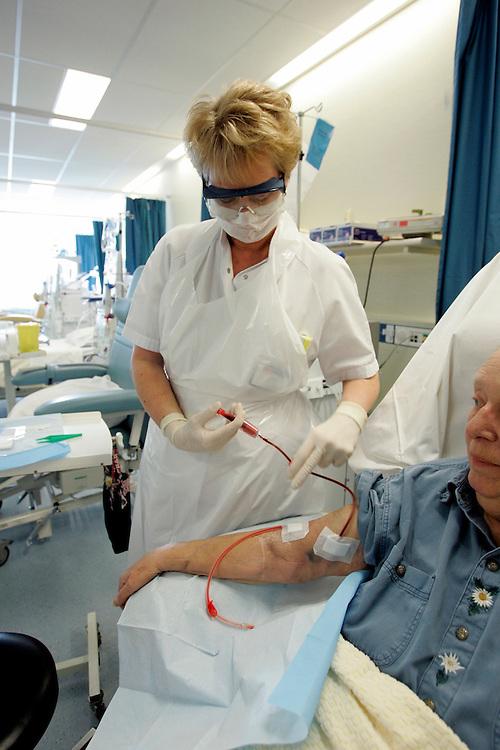 The Hague. Hospital. MCH. Medisch Centrum Haaglanden. Haemodialyses..Photo: Gerrit de Heus