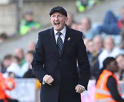 Millwall Manager, Ian Holloway gives instructions - Photo mandatory by-line: Robin White/JMP - Tel: Mobile: 07966 386802 29/03/2014 - SPORT - FOOTBALL - The Den - Millwall - Millwall v Blackburn Rovers - Sky Bet Championship