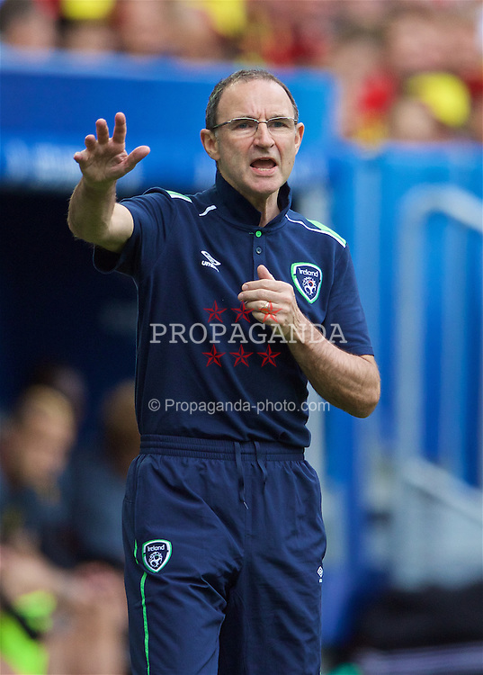 BORDEAUX, FRANCE - Saturday, June 18, 2016: Republic of Ireland manager Martin O'Neill during the UEFA Euro 2016 Championship Group E match against Wales at Stade de Bordeaux. (Pic by Paul Greenwood/Propaganda)