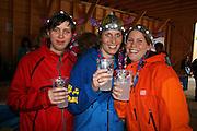 Mari Øverstad t.v., Linn Ryen og Lena Lundberg, alle fra Engerdal var på festival for første gang og stortrivdes. Sommerfestivalen i Selbu 2009. Foto: Bente Haarstad Sommerfestivalen i Selbu er en av Norges største musikkfestivaler. Sommerfestivalen is one of the biggest music festivals in Norway.