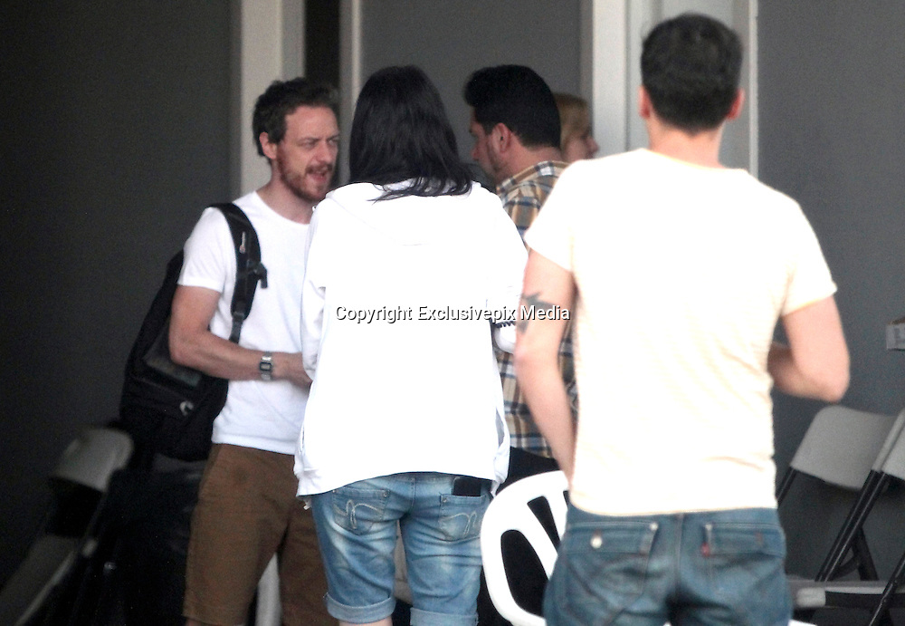James McAvoy and Alicia Vikander already in Spain to begin shooting the film last bet Win Wenders Immersion. The consecrated actor enjoyed a fun break from filming, showing great fun with some of the crew members. The Scottish singer appeared dressed casually in shorts, sports and shirt, as if it were a teenager. Also, he carried a backpack with some of his personal belongings. McAvoy was very affectionate with a young member of the group. After exchanging a few words, he did not hesitate to award the girl with kisses and hugs, proving to be a born conqueror<br /> &copy;Exclusivepix Media