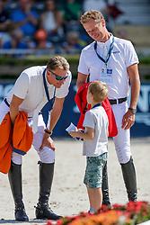 HOUTZAGER Marc (NED), AHLMANN Christian (GER) Sohn Leon<br /> Rotterdam - Europameisterschaft Dressur, Springen und Para-Dressur 2019<br /> Parcoursbesichtigung<br /> Longines FEI Jumping European Championship part 2 - team 2nd and final round<br /> Finale Teamwertung 2. Runde<br /> 24. August 2019<br /> © www.sportfotos-lafrentz.de/Stefan Lafrentz