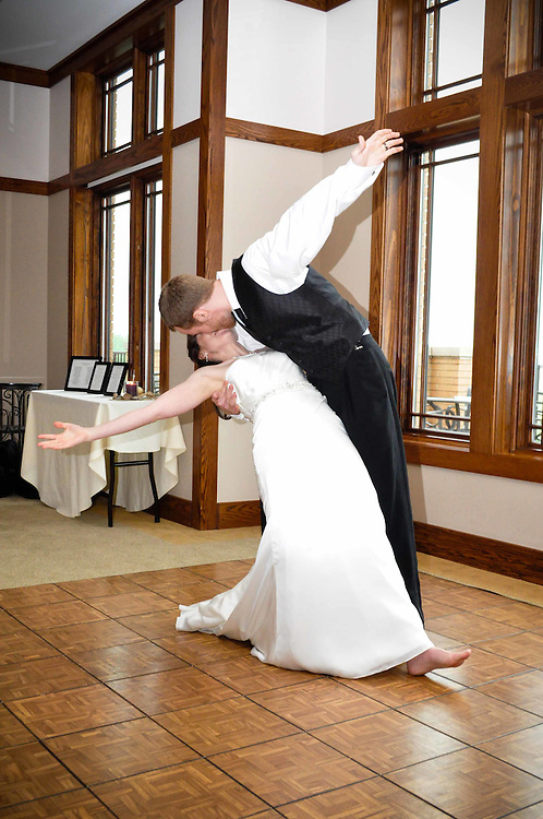 Caitlin & Alex perform an impressive choreographed first dance at The Highlands of Elgin, Elgin, IL