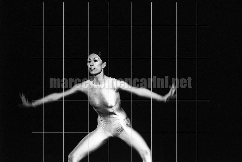 Italian dancer Luciana Savignano performing (1982) / La ballerina Luciana Savignano mentre danza (1982) - © Marcello Mencarini