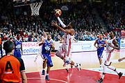 DESCRIZIONE : Varese Lega A 2013-14 Cimberio Varese Acqua Vitasnella Cantu<br /> GIOCATORE : Keydren Clark<br /> CATEGORIA : Penetrazione Tiro<br /> SQUADRA : Cimberio Varese<br /> EVENTO : Campionato Lega A 2013-2014<br /> GARA : Cimberio Varese Acqua Vitasnella Cantu<br /> DATA : 15/12/2013<br /> SPORT : Pallacanestro <br /> AUTORE : Agenzia Ciamillo-Castoria/G.Cottini<br /> Galleria : Lega Basket A 2013-2014  <br /> Fotonotizia : Varese Lega A 2013-14 Cimberio Varese Acqua Vitasnella Cantu<br /> Predefinita :