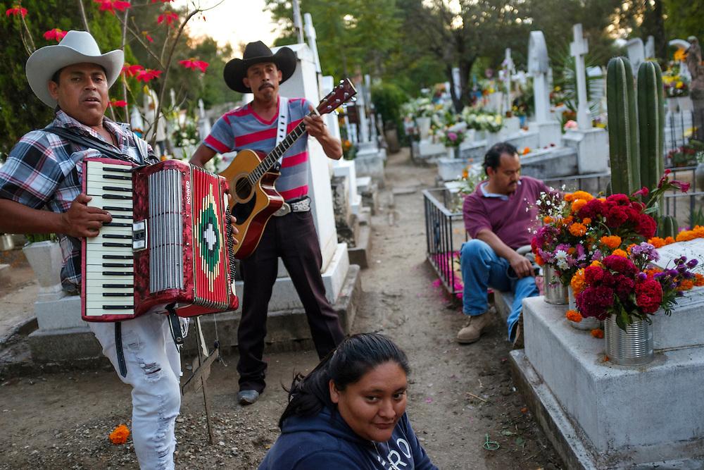Mariachis. Dia del los Muertos, San Miguel de Allende, Mexico.