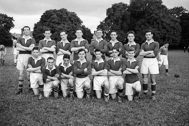 BOX 15.18.7.1952 Football (Crowe Wilson Drapers team) Drapers Championship