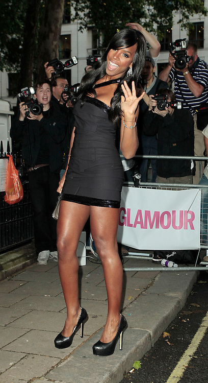 08.JUNE.2010 LONDON<br /> <br /> KELLY ROWLAND ATTENDS THE GLAMOUR AWARDS AT BERKLEY SQUARE IN MAYFAIR.<br /> <br /> BYLINE: EDBIMAGEARCHIVE.COM<br /> <br /> *THIS IMAGE IS STRICTLY FOR UK NEWSPAPERS AND MAGAZINES ONLY*<br /> *FOR WORLD WIDE SALES PLEASE AND WEB USE PLEASE CONTACT EDBIMAGEARCHIVE - 0208 954 5968*
