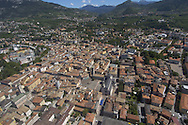 Trento Città piazza Duomo, foto aerea estate 2005 © foto Daniele Mosna