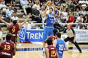 DESCRIZIONE : Trento Torneo Internazionale Maschile Trentino Cup Italia Portogallo Italy Portugal<br /> GIOCATORE : Angelo Gigli<br /> SQUADRA : Italia Italy<br /> EVENTO : Raduno Collegiale Nazionale Maschile GARA : Italia Portogallo Italy Portugal<br /> DATA : 27/07/2009 <br /> CATEGORIA : tiro<br /> SPORT : Pallacanestro <br /> AUTORE : Agenzia Ciamillo-Castoria/G.Ciamillo<br /> Galleria : Fip Nazionali 2009 <br /> Fotonotizia : Trento Torneo Internazionale Maschile Trentino Cup Italia Portogallo Italy Portugal<br /> Predefinita :