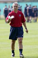 FOTBALL - FRENCH CHAMPIONSHIP 2003/2004 - PARIS SG - 030628 - VAHID HALILHODZIC (PSG COACH) DURING THE PSG TRAINING IN CAMP DES LOGES - PHOTO GUY JEFFROY / DIGITALSPORT