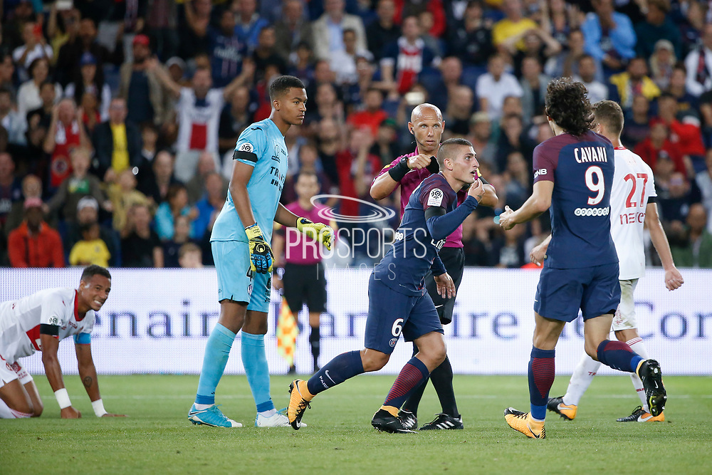 Marco Verratti (psg) surprised, received a yellow card and must leave the playground, Alban LAFONT (Toulouse Football Club), Edinson Roberto Paulo Cavani Gomez (psg) (El Matador) (El Botija) (Florestan), Alexis BLIN (Toulouse Football Club), Christopher JULLIEN (Toulouse Football Club) on the floor during the French championship L1 football match between Paris Saint-Germain (PSG) and Toulouse Football Club, on August 20, 2017, at Parc des Princes, in Paris, France - Photo Stephane Allaman / ProSportsImages / DPPI