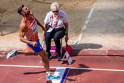 11-08-2017 IAAF World Championships Athletics day 8, London<br /> Eelco Sintnicolaas NED (tienkamp) in actie tijdens het tweede onderdeel verspringen