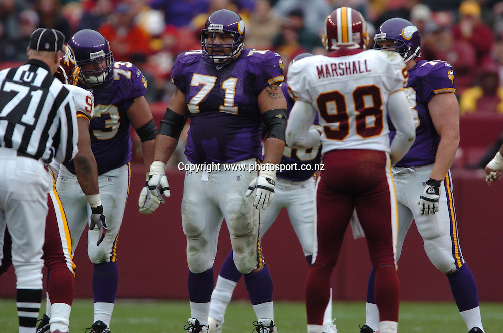 David Dixon of the Minnesota Vikings during the America Football match between the Minnesota Vikings and the Washington Redskins at Redex Field in Landover, 2 January 2005: PHOTOt: Icon SMI/PHOTOSPORT<br /><br /><br />124722<br />gridiron