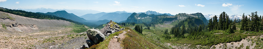 The Railroad Grade Trail follows a lateral moraine of the Easton Glacier which flows from the south side of Mount Baker. Mount Baker National Recreation Area, Washington, USA. Far right is Twin Sisters Mountain in Mount Baker Wilderness.
