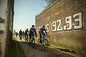 2015.04.07 - Roubaix - Team Sky recon. cobbles