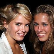 NLD/Noordwijk/20070831 - VIP avond Jackie Summer Fair 2007, uitreiking IT girl award 2007, Hanna Verboom en zusje Damaris