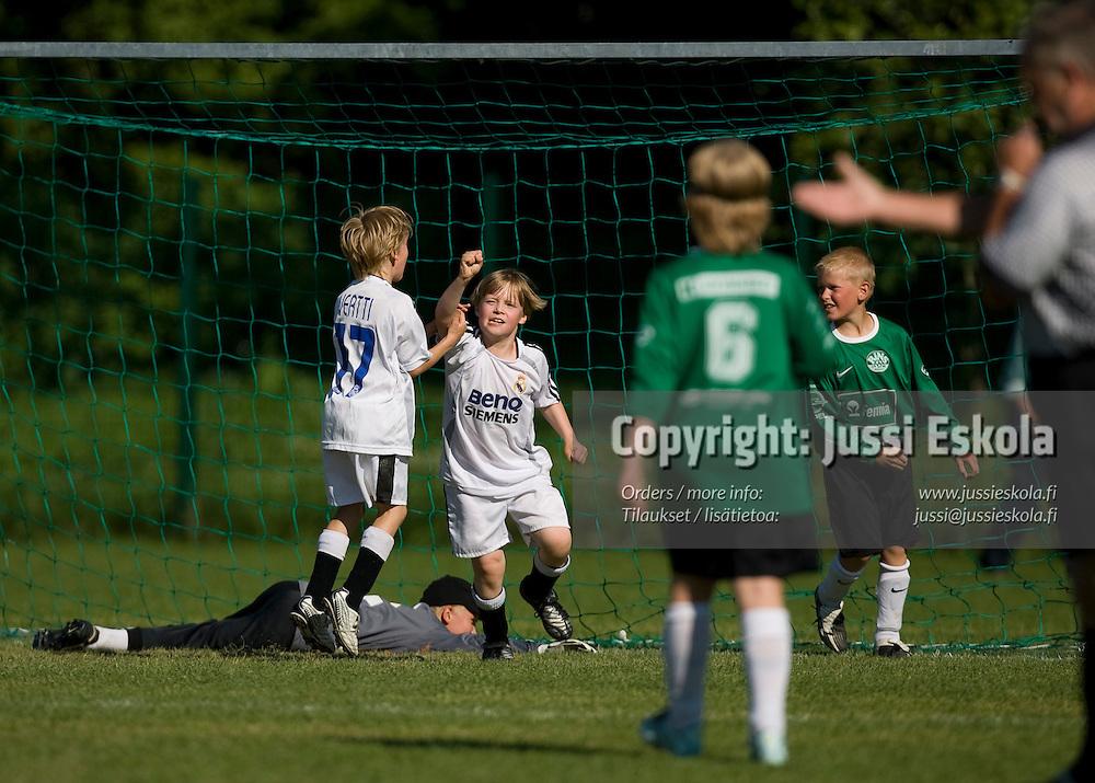 Pojat F10 KäPa/Sininen - RiNS/Real Betis. Helsinki Cup, torstai 12.7.2007. Photo: Jussi Eskola