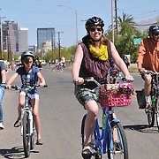 Southbound riders during the spring 2014 edition of Cyclovia Tucson.