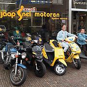 motor- en brommerhandel Jaap Snel Molenberg ext.