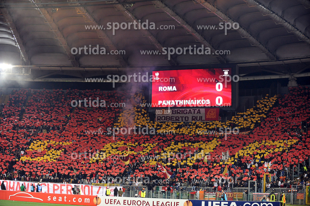 25.02.2010, Stadio Olimpico, Rom, ITA, UEFA EL, AS Rom vs Panathinaikos Athen, im Bild  Roma Fans machen eine Choregrafie, EXPA Pictures © 2010, PhotoCredit: EXPA/ InsideFoto/ Andrea Staccioli / SPORTIDA PHOTO AGENCY