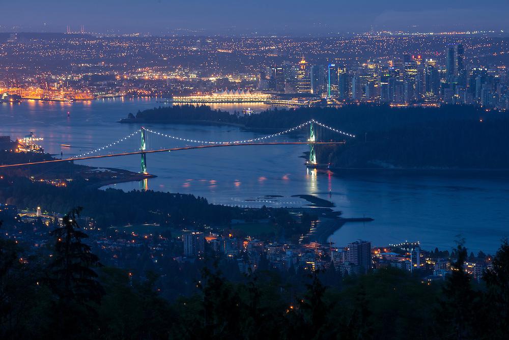 Canada, British Columbia, Vancouver , Lions Gate Bridge, Stanley Park, downtown Vancouver